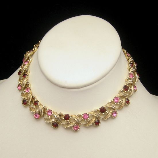 Vintage Signed CORO Leaf Links Necklace Red Pink Rhinestones from myclassicjewelry.com