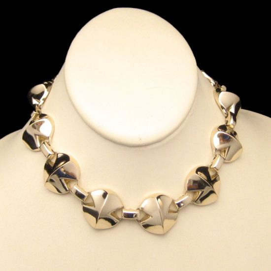 Vintage Coro Pegasus Corolite Modernist Chunky Links Necklace from myclassicjewelry.com