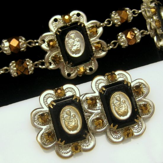 ST ANTHONY Vintage Necklace Bracelet Pin Brooch Crystal Aurum Rhinestones Set