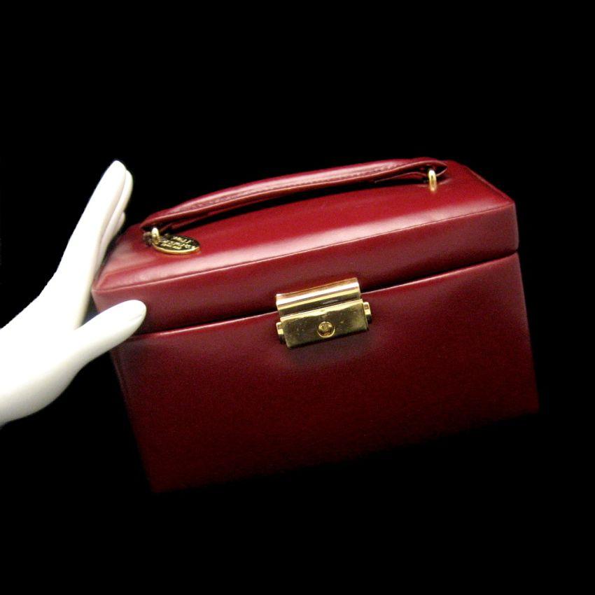 Wolf designs genuine leather travel jewelry box burgundy for Jewelry box with key
