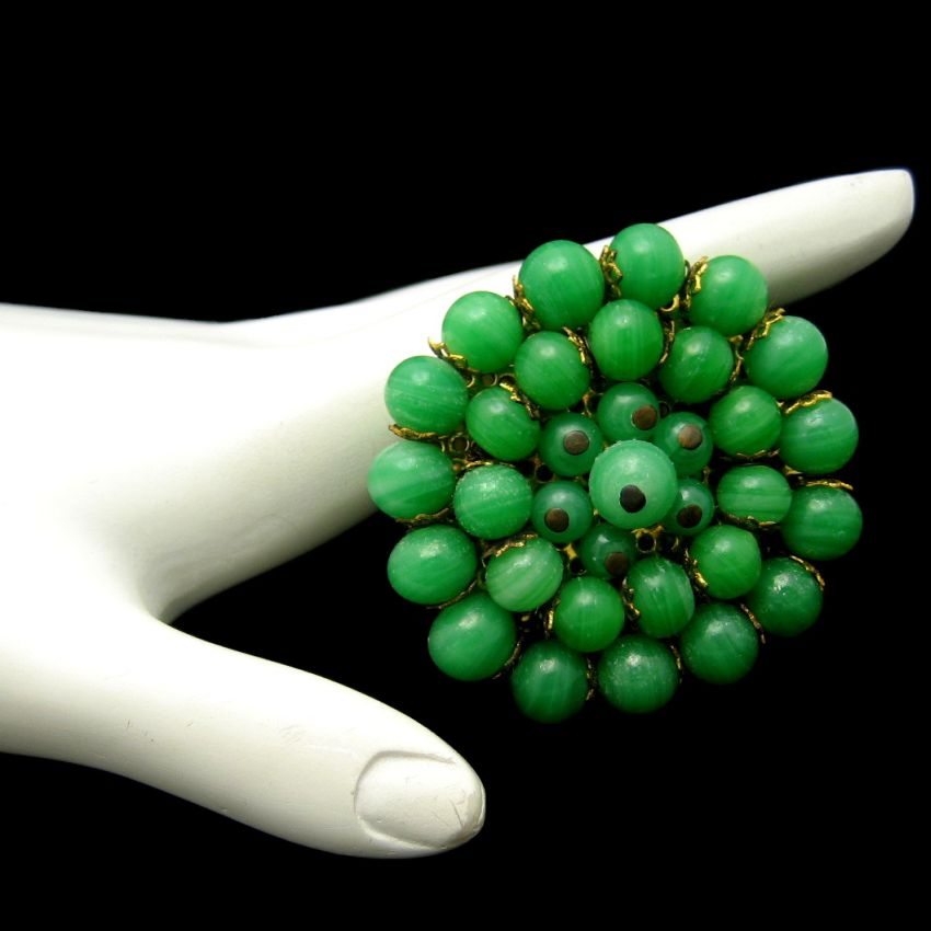 Vintage Brooch Pin Large Circle Pretty Faux Jade Green Art Glass Beads