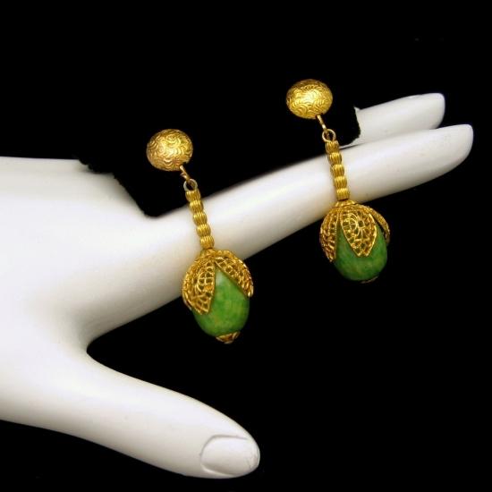 Chunky Mottled Green Beads Dangles Earrings Ornate Vintage Gold Plated Caps