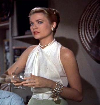 Grace Kelly wearing Chunky Pearls Bracelet in Rear Window