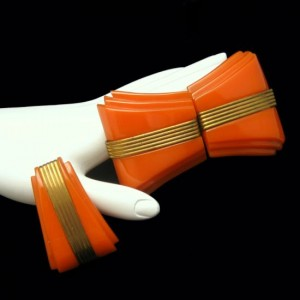 Art Deco Carved Orange Bakelite Vintage Belt Buckle Dress Clip Set Brass Trim