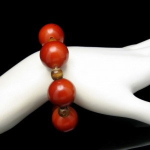 Vintage Bracelet Mid Century Nice Reddish Color Chunky Beads Mod Design Stretch