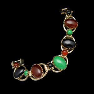 D&E Style Vintage Bracelet Mid Century 5 Open Links Red Green Black Acrylic Stones Chunky