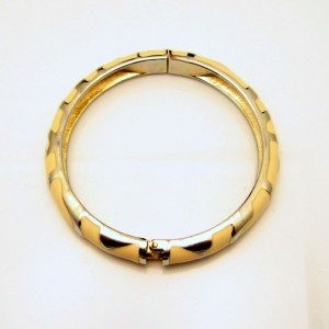 Vintage Bangle Bracelet Mid Century Hinged Beige Enamel Silvertone Swirls Very Pretty