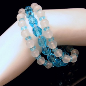 JAPAN Vintage Glass Crystal Beads Bracelet Mid Century White Aqua 3 Strands Gorgeous