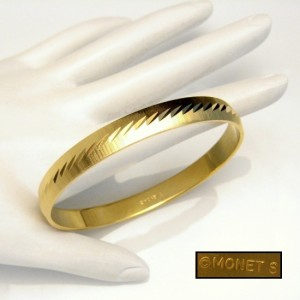 MONET Vintage Bangle Bracelet Mid Century Etched Matte Goldtone SMALL WRIST Beautiful Design