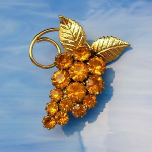 Vintage Brooch Pin Mid Century Topaz Glass Rhinestones Grape Leaves Beautiful Design