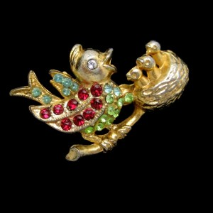 Vintage Birds Brooch Pin Mother 3 Babies Rhinestones Charming Mid Century Figural Colorful