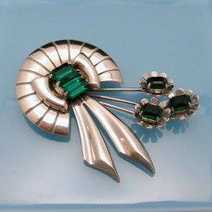 STERLING Vintage Brooch Pin Mid Century Silver Flower Green Glass Retro Lovely