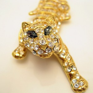 TRIFARI Vintage Tiger Brooch Pin Large Figural Pave Set Rhinestone Gray Marquise