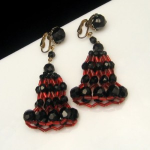 Rare Vintage Jonne Schrager Dangle Clip Earrings Red Black Crystals Fabulous