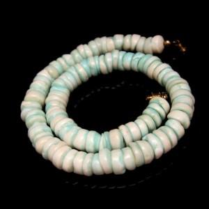 Mid Century Genuine Hawaiian Puka Shells Beads Vintage Necklace Lovely Aqua Tie Dyed
