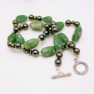 Vintage Chunky Green Agate Beads Necklace Hematite Crystal Glass Very Pretty