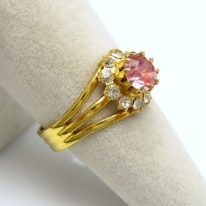 Vintage Cocktail Ring Mid Century Pink Solitaire Rhinestones Oval Stone Size 7.75-8