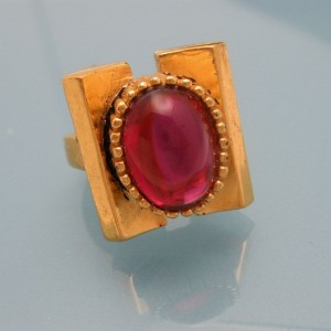 CROWN TRIFARI Rare Vintage Cocktail Ring Mid Century Red Glass Stone Adjustable Size 4.5 to 6.75