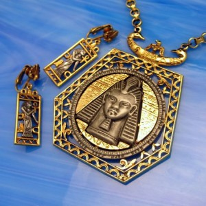 ART Egyptian Revival King Tut Isis Ankh Cross Vintage Necklace Earrings Set