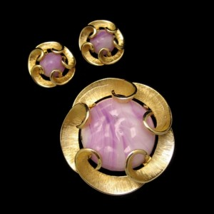 MARVELLA Vintage Brooch Pin Earrings Mid Century Purple Art Glass Swirls Set Matte Goldtone