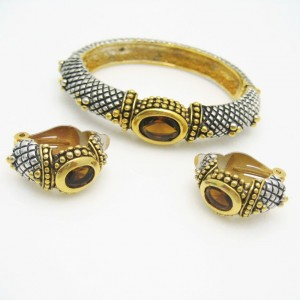 Vintage Bangle Bracelet Earrings Mid Century Topaz Glass Rhinestones