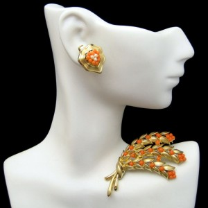 CROWN TRIFARI Vintage Brooch Earrings Mid Century Faux Coral Pearl Flowers Pin Married Set