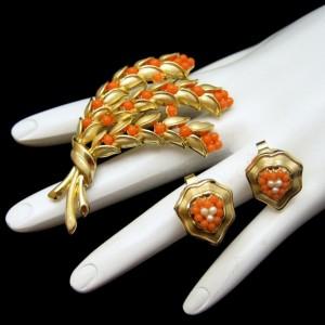 CROWN TRIFARI Vintage Brooch Earrings Mid Century Faux Coral Pearl Flowers Pin Married Set