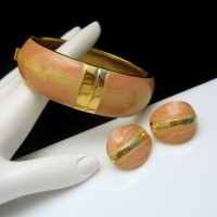 TRIFARI Kunio Matsumoto Vintage Bangle Bracelet Earrings Pink Enamel Set