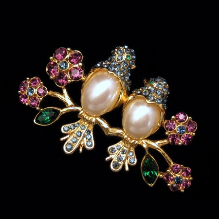 TRIFARI Brooch Pin Pearl Belly Birds Blue Rhinestones from myclassicjewelry.com