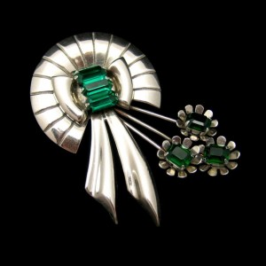 Retro Sterling Wreath with Green Glass Flowers Brooch
