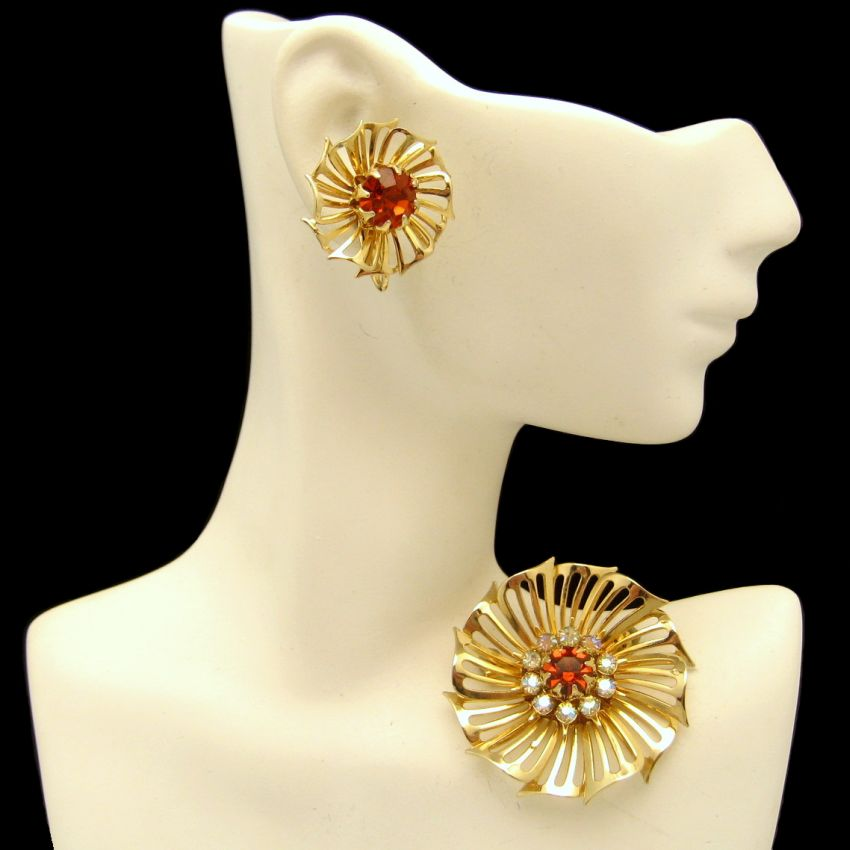 CORO Retro Vintage 1959s Red Rhinestones Brooch Pin Earrings Jewelry Set from myclassicjewelry.com