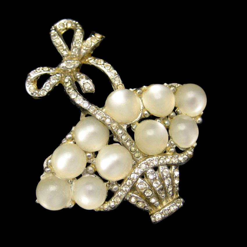 RARE Coro 1941 Egg Basket Satin Glass Stones Vintage Brooch from myclassicjewelry.com