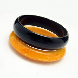2 Vintage Bangle Bracelets Mid Century Lucite Acrylic Black Orange Mod Style Very Pretty