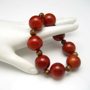 Vintage Bracelet Mid Century Nice Reddish Color Chunky Beads Mod Design Stretch