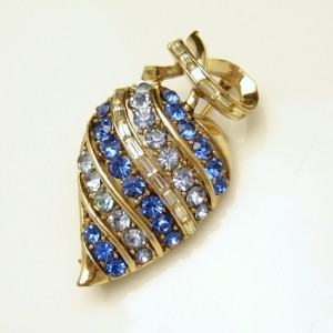 CORO PAT PEND Vintage Brooch Pin Mid Century Large Blue Rhinestones Apple Heart