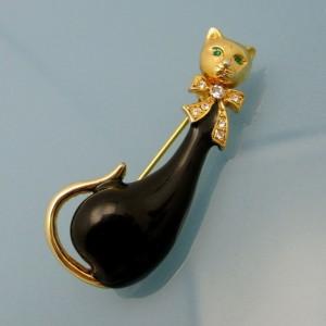 Vintage Siamese Cat Brooch Pin Mid Century Black Enamel Rhinestones Figural Green Eyes