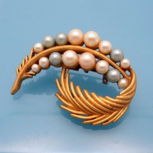 Mid Century Faux Pearls Vintage Brooch Pin Matte Leaf Blue Pink Pretty Delicate