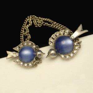 Sweater Chatelaine Rhinestone Birds Vintage Brooch Pin Blue Jelly Lucite Belly Figural