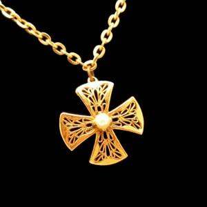 Vintage Maltese Cross Faux Pearl Pendant Necklace Mid Century Pretty Filigree Design