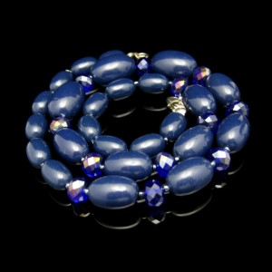 Vintage Crystals Beads Necklace Chunky Navy Blue AB Large Ovals Very Classy