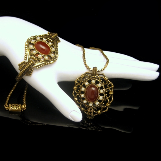 Vintage Victorian Revival Red Pendant Necklace Bracelet Set from myclassicjewelry.com