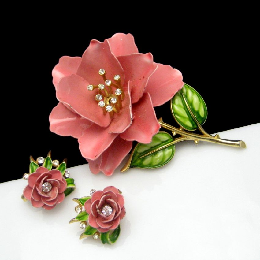 Trifari Vintage Gold Plated Pink Enamel Flowers Brooch and Earrings Set